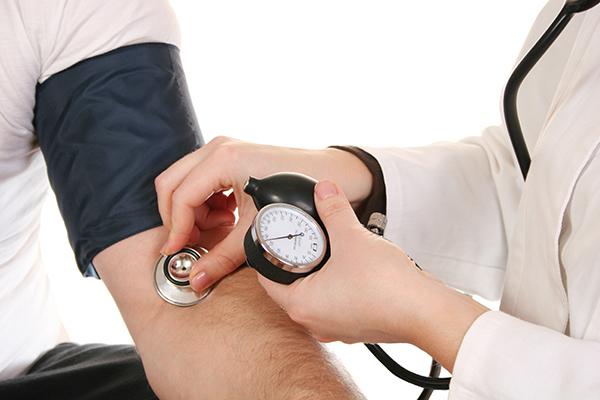血壓及靜臥心電圖檢查