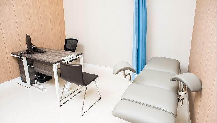 Center Images: 时代医疗服务中心