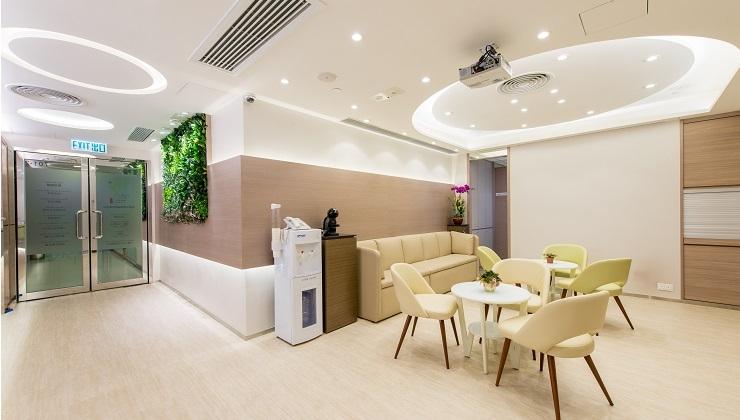 Center Images: 香港中西醫綜合醫務中心